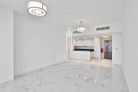 شقة 2 غرفة نوم للايجار في الخليج التجاري، دبي - Well-priced and Excellent 2 Bed for Rent