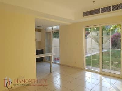 2 Bedroom Villa for Rent in The Springs, Dubai - Opposite pool and park * Large Garden *