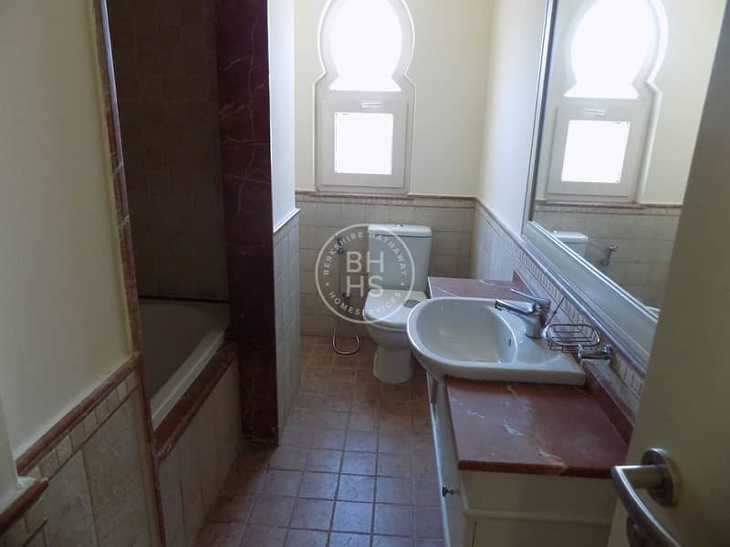 10 Fully Equipped Kitchen | Type TH2 | Spacious 4BR