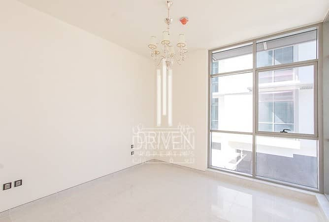 2 Elegant and Spacious 2 Beds Apt w/ Maids