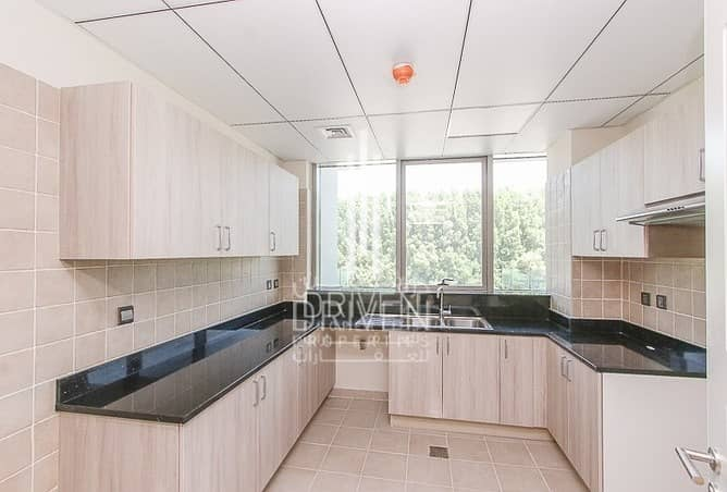 10 Elegant and Spacious 2 Beds Apt w/ Maids