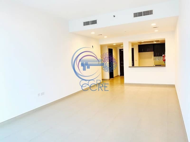 2 2BR+Maid/storage room Dubai Whraf  12 Cheques