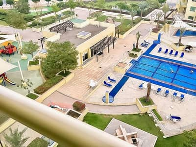 2 Bedroom Apartment for Rent in The Greens, Dubai - Pool View