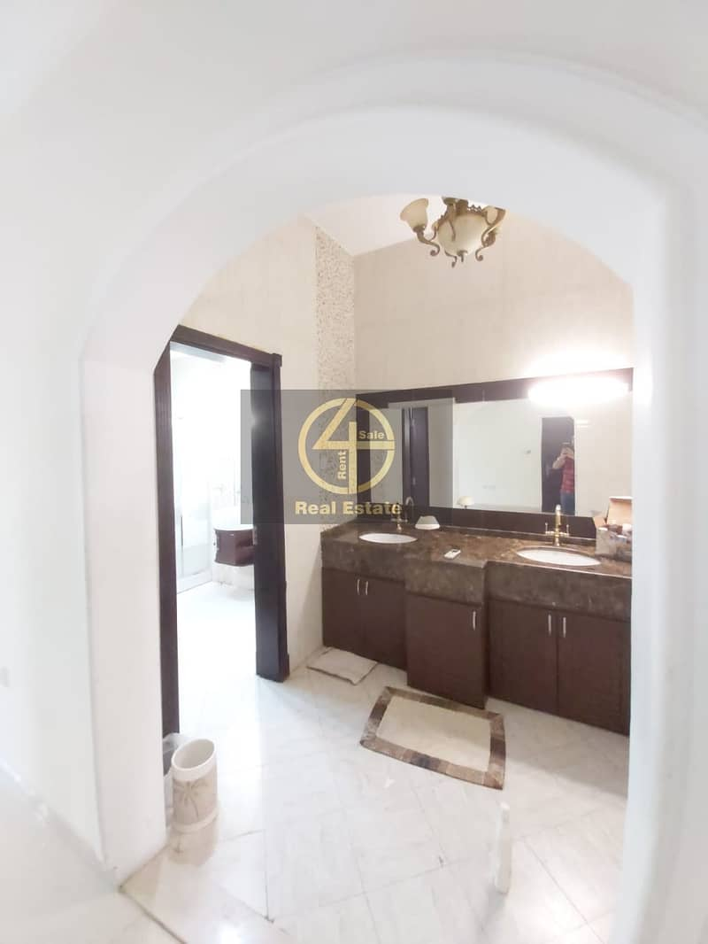 2 Brand New Commercial 6BR Villa in Shabout City