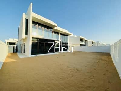 فیلا 4 غرف نوم للبيع في جزيرة السعديات، أبوظبي - Modern Luxurious 4 BR Villa Brand New with Garden