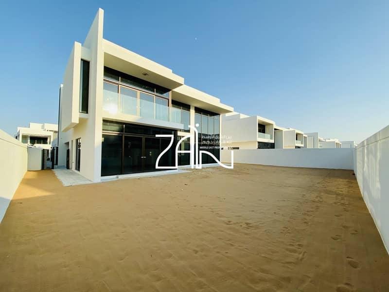 Modern Luxurious 4 BR Villa Brand New with Garden