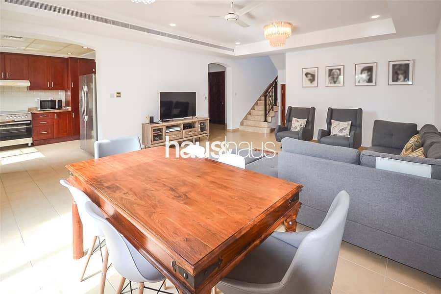 2 Single Row | Great Location | Landscaped