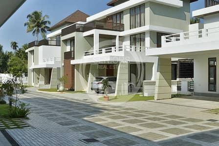 25 Bedroom Villa Compound for Sale in Khalifa City A, Abu Dhabi - 5 Villa Compound with 5BR in Khalifa City