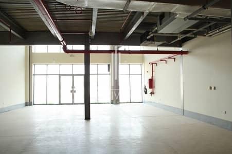 محل تجاري  للايجار في مجمع دبي للاستثمار، دبي - Well-kept Retail Shops with Storage Room