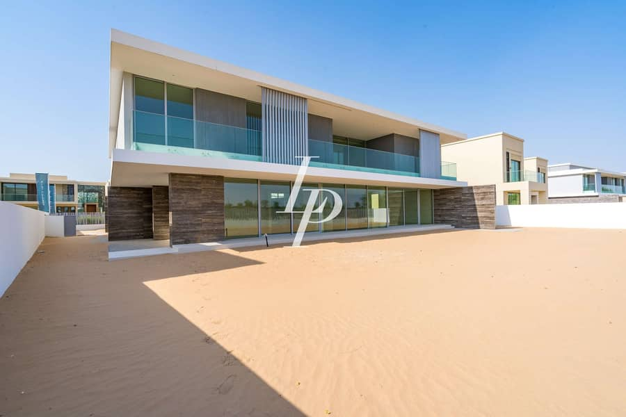 22 Exclusively Listed Modern Villa Golf Course View