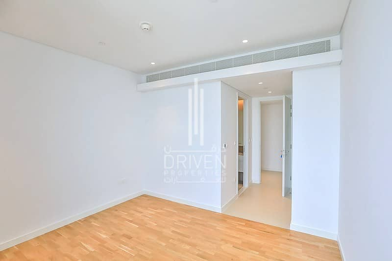 20 Rare 3 Bed in High Floor   Stunning View