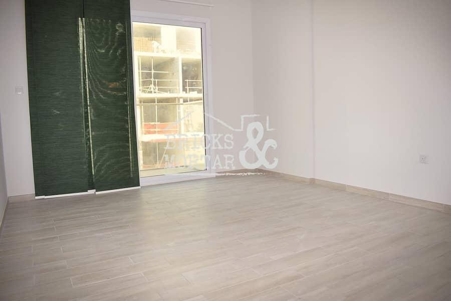 2 Kitchen Appliances | Modern Design | Low Floor