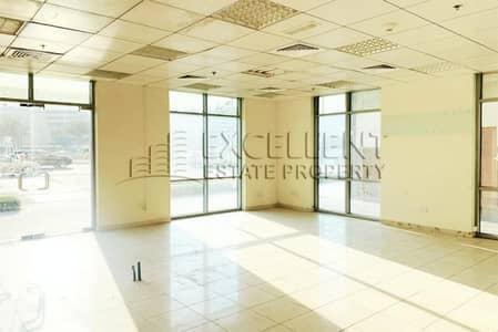 محل تجاري  للايجار في شارع السلام، أبوظبي - Good as New Commodious Shop in Main Road