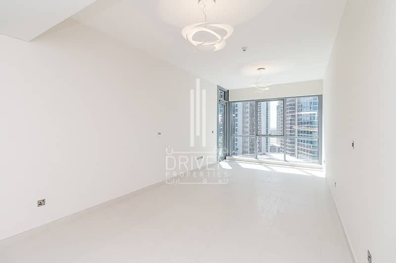 Luxurious 2 Bed Unit w/ Quality Finishes