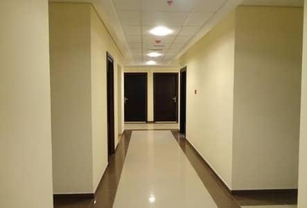 فلیٹ 1 غرفة نوم للبيع في مدينة الإمارات، عجمان - امتلك غرفة وصاله فى ابراج الامارات فقط 140 الف درهم