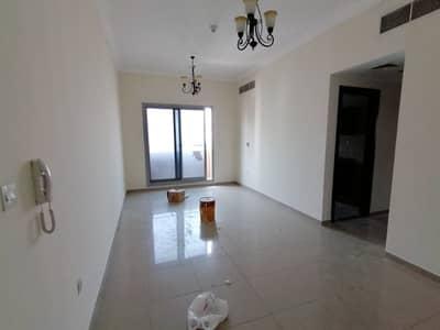 شقة 2 غرفة نوم للايجار في البرشاء، دبي - شقة في البرشاء 1 البرشاء 2 غرف 64999 درهم - 4422274
