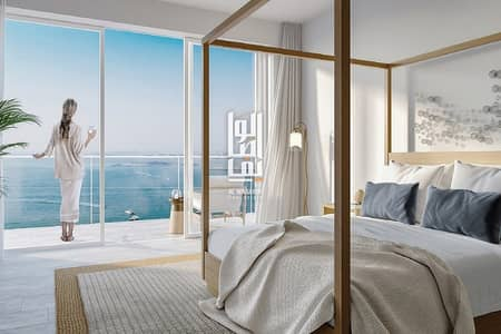 3 Bedroom Apartment for Sale in Jumeirah Beach Residence (JBR), Dubai - Are you looking for the perfect beachfront home with endless views of the sea and the city skyline?..