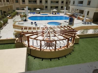 Furnished Spacious Vacant Studio with Pool View