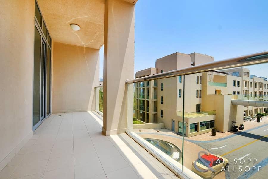 10 Terrace | Vacant | Low Floor | Study Room