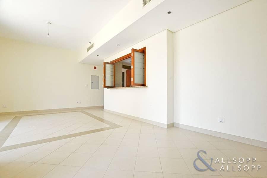 2 Terrace | Vacant | Low Floor | Study Room