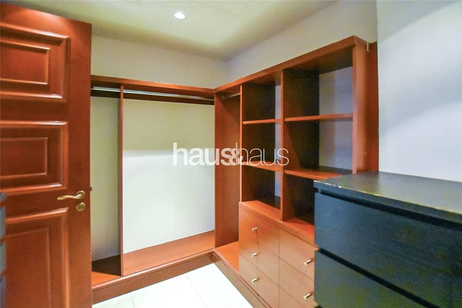 10 Fully furnished 1BR | With appliances | Vacant