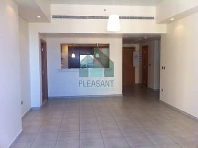 2 Bedroom Apartment for Sale in Palm Jumeirah, Dubai - 2 Br + Maids | Atlantis View | Marina Residences | Bright apartment