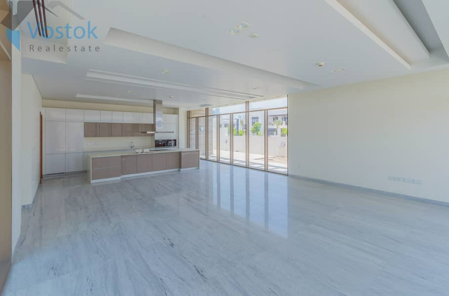 7 bed Mansion | Contemporary | direct on Lagoon | ready