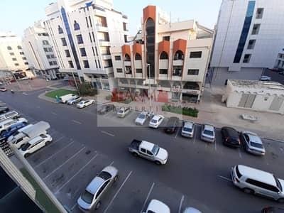 فلیٹ 2 غرفة نوم للايجار في المشرف، أبوظبي - LOW PRICE.!! 2 Bedroom Apartment with Balcony in Delma  53000 only!!