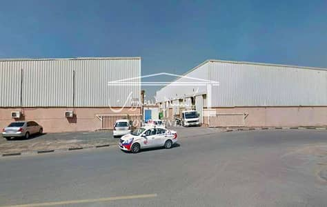 Warehouse for Rent in Al Quoz, Dubai - Ample Warehouse for Lease!
