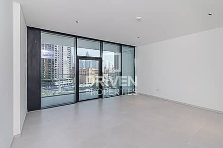 استوديو  للايجار في الخليج التجاري، دبي - Best Studio Apartment with Dubai Canal View