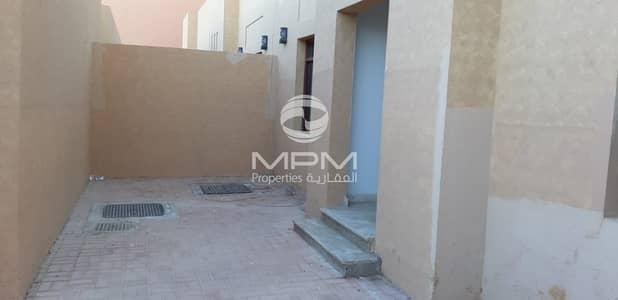فیلا 5 غرف نوم للايجار في المرور، أبوظبي - Spacious 5 Bedrooms Villa near Bateen Airport
