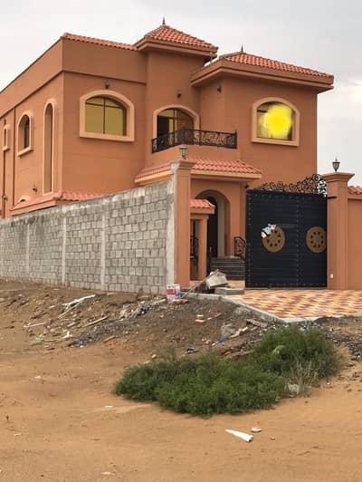 فیلا 5 غرفة نوم للايجار في المويهات، عجمان - فيلا للايجار اول ساكن تشطيب عالى 2 مطبخ قريب من شارع التله والخدمات ومدارس الشويفات