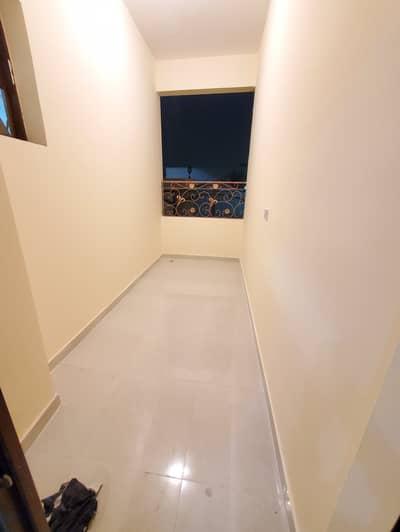شقة في بني ياس 1 غرف 36999 درهم - 4428258