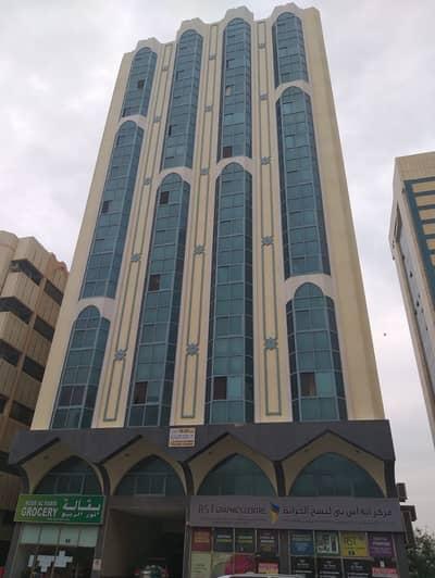 شقة 2 غرفة نوم للايجار في المجاز، الشارقة - للايجارغرفتين و صالة برج فارس  قريبة من كورنيش موقع متميز