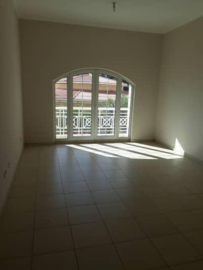 شقة في مجمع دبي للاستثمار 1 غرف 40000 درهم - 4429251