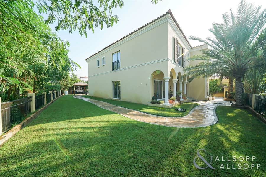 2 Five Bedrooms | Corner Plot | Available
