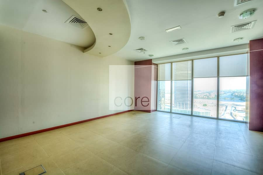 2 Fully Furnished Office   Low Floor   Parking
