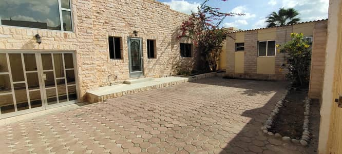 4 Bedroom Villa for Rent in Al Hazannah, Sharjah - *** GREAT DEAL - 4BHK Single Storey Villa with pretty garden space in Al Hazzanah available in affordable prices ***