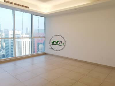 2 Bedroom Apartment for Rent in Hamdan Street, Abu Dhabi - Exquisite Home in the heart of the city w/ free parking