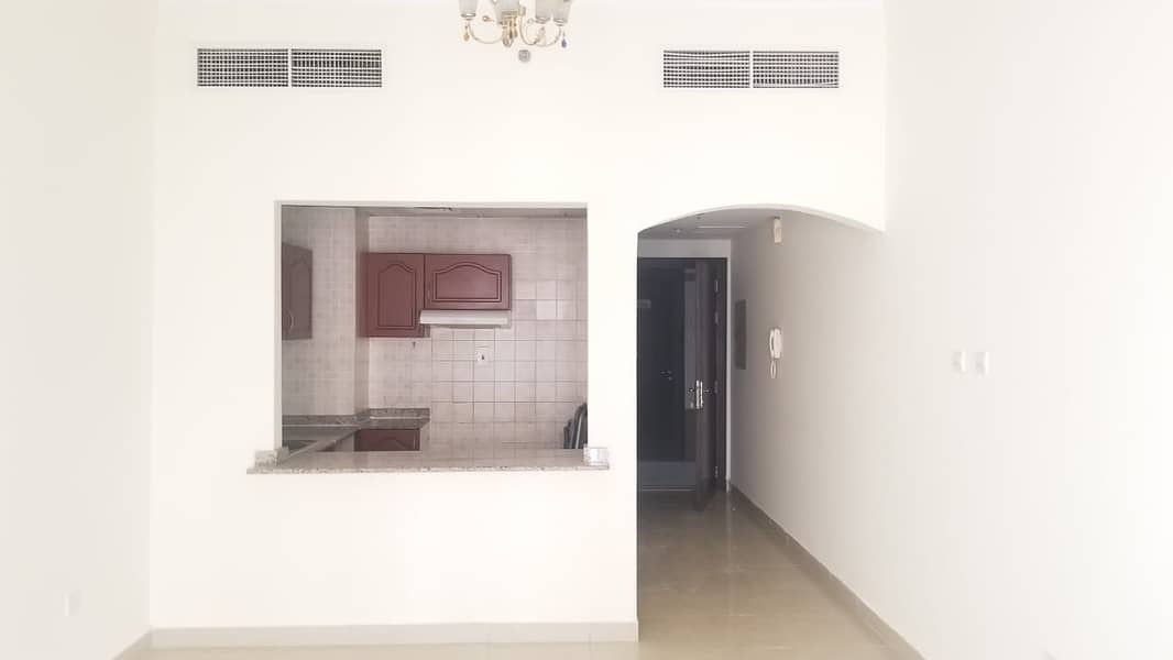 Studio with balcony for rent in CBD building