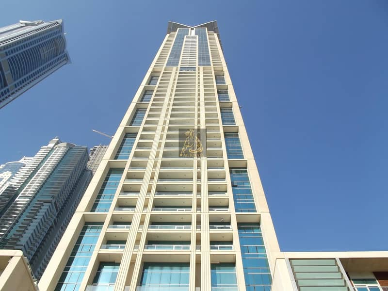 10 Move-In Now to an Amazing Waterfront 5BR Penthouse in Dubai Marina | Prime Location with Community Views