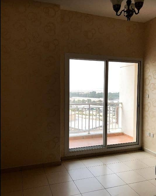 7 Walking Distance To lake | 1 Bed In Queue Point