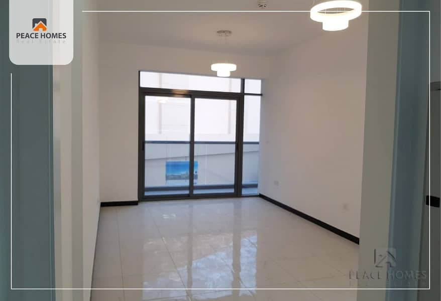 LARGE 1 BED, BALCONY IN POOL VIEW