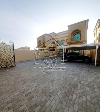 فیلا 6 غرفة نوم للايجار في مدينة خليفة أ، أبوظبي - فیلا في مدينة خليفة أ 6 غرف 170000 درهم - 4432167