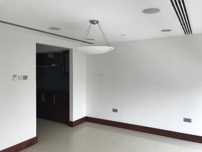 3 Bedroom Flat for Sale in World Trade Centre, Dubai - Luxuary 3Br Simplex Apartment for Sale in Jumeirah Living