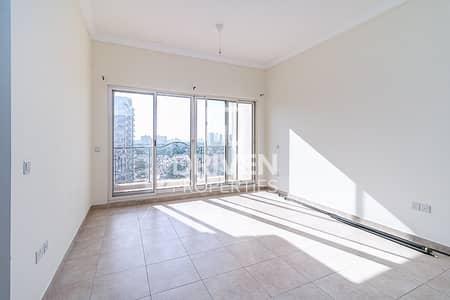 فلیٹ 1 غرفة نوم للايجار في مدينة دبي الرياضية، دبي - Vacant | Best 1 Bedroom Apt with Balcony