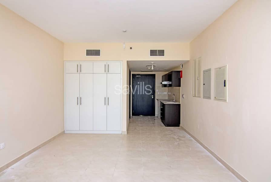 Brand new spacious Studio apartment with parking in Rawdah