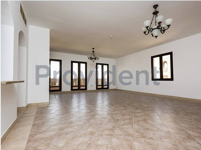 2 Freehold 5 Yrs to Pay Huge  3BR+Family+M