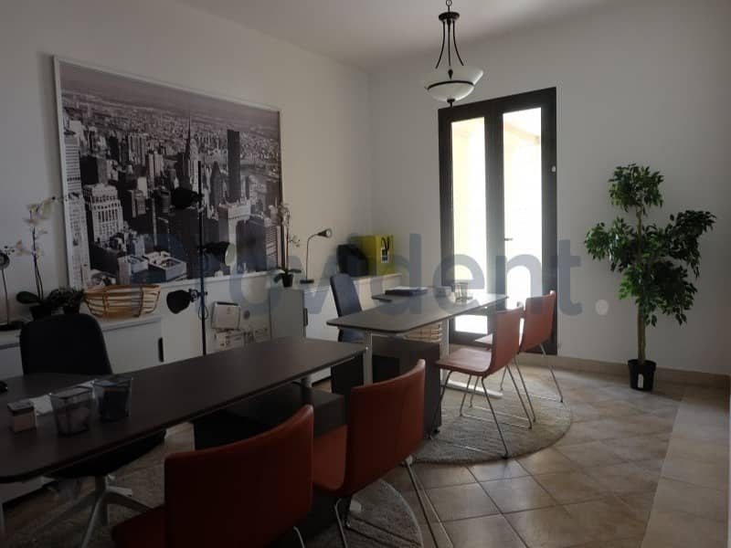 2 Private Terraced 3B/R+M Apt Freehold DFC