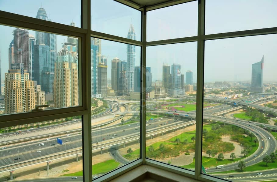 Beautiful spacious apt with great view | Near metro